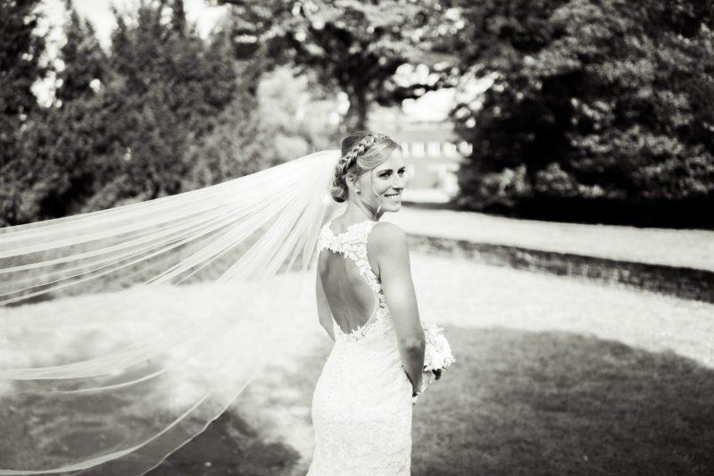 Nadine-Dennis-www.yourweddingmoment.de_350-scaled